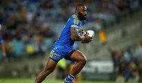 SYDNEY, AUSTRALIA - APRIL 29:  Semi Radradra of the Eels makes a line break during the round nine NRL match between the Parramatta Eels and the Canterbury Bulldogs at ANZ Stadium on April 29, 2016 in Sydney, Australia.  (Photo by Mark Nolan/Getty Images)